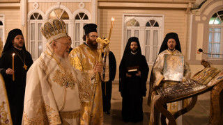 Πάσχα 2020: Ανάσταση στο Φανάρι με μήνυμα Βαρθολομαίου στους νέους