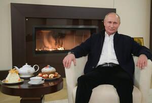 «Φέτος οι εορτασμοί πραγματοποιήθηκαν με αναγκαστικούς περιορισμούς», δήλωσε ο Βλαντίμιρ Πούτιν