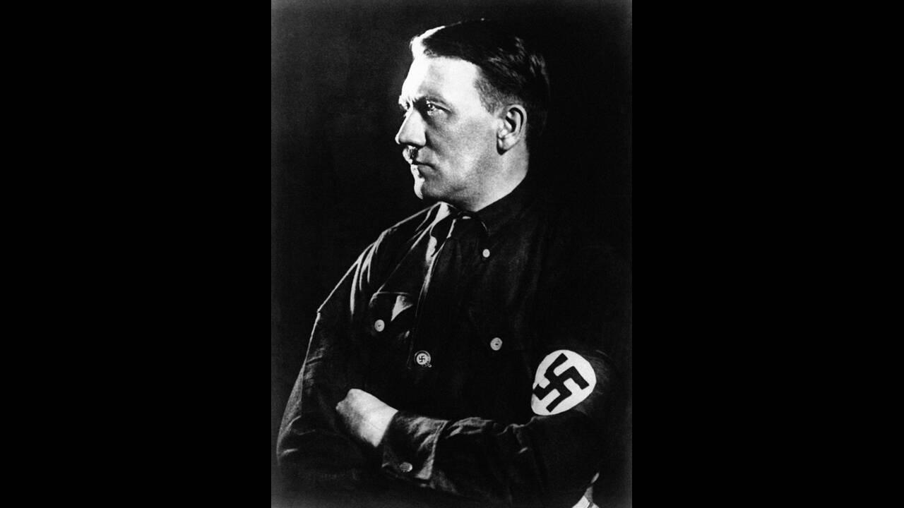 1889, Μπραουνάου αμ Ιν, Αυστρία.  Γεννιέται ο Αδόλφος Χίτλερ.