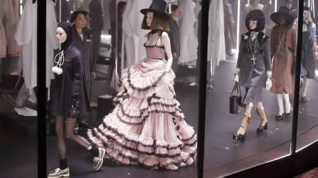 Η νέα καμπάνια του οίκου Gucci, αφιερωμένη στον... κορωνοϊό