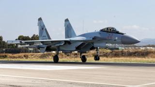 «Αερομαχία» ρωσικού μαχητικού με αμερικανικό αεροσκάφος πάνω από τη Μεσόγειο