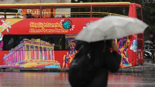 Καιρός: Συννεφιά, βροχές και πτώση της θερμοκρασίας την Τρίτη