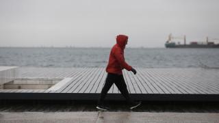 Καιρός: Συννεφιά, βροχές και πτώση της θερμοκρασίας σήμερα