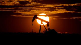 Υπό το μηδέν για πρώτη φορά στην Ιστορία η τιμή του αμερικανικού πετρελαίου