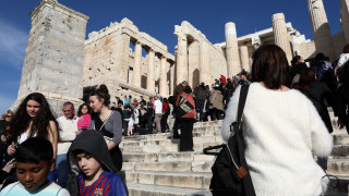 Κορωνοϊός: Ανεκόπη η δυναμική ελληνικού τουρισμού και ναυτιλίας–Έσοδα 3,1 δισ. ευρώ στο πρώτο δίμηνο