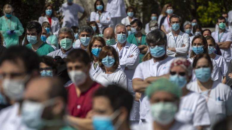 Κορωνοϊός: Νέα ελαφρά αύξηση των νεκρών στην Ισπανία