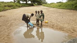 ΟΗΕ: Ο κορωνοϊός απειλεί να διπλασιάσει τον αριθμό των ανθρώπων στα πρόθυρα του λιμού