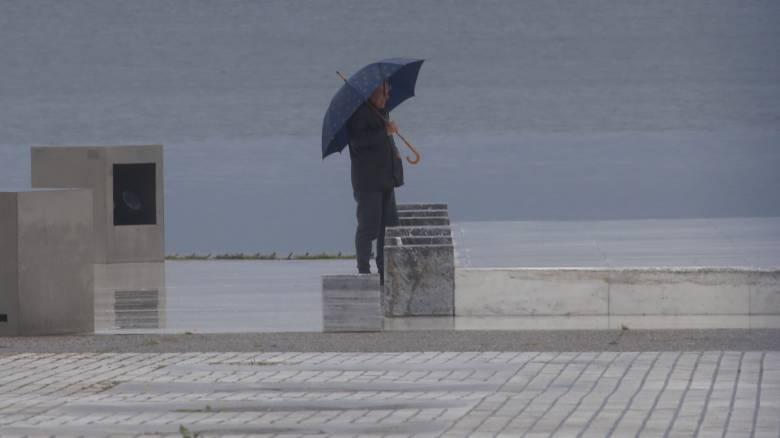 Καιρός: Βροχερό το σκηνικό την Τετάρτη - Πέφτει και άλλο η θερμοκρασία