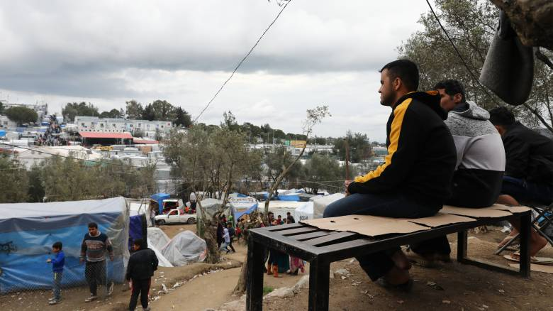 Συνεργασία Ελλάδας - Ε.Ε. για την αποσυμφόρηση των καταυλισμών στα νησιά