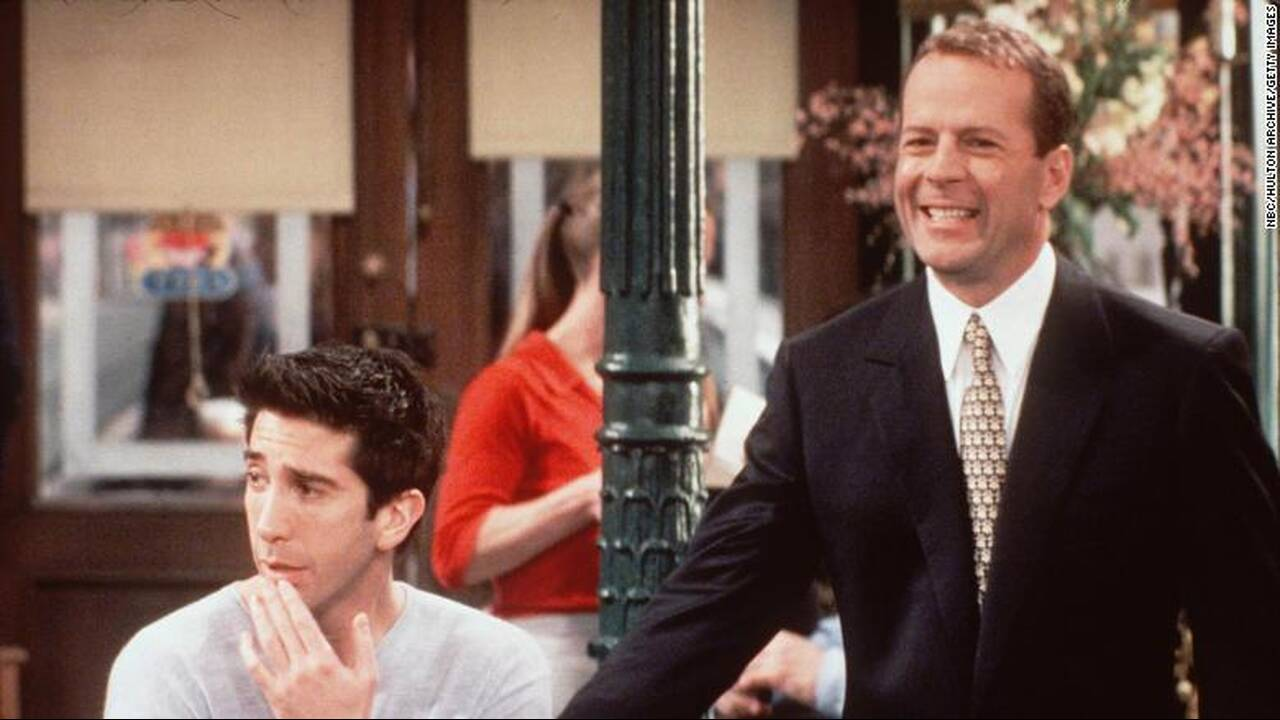 https://cdn.cnngreece.gr/media/news/2020/04/22/216328/photos/snapshot/190919193548-05-friends-cameos-bruce-willis-exlarge-169.jpg