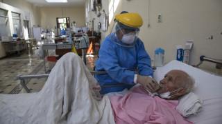 Κορωνοϊός - Περού: Μάσκες που επαναχρησιμοποιούνται και πτώματα στους διαδρόμους των νοσοκομείων