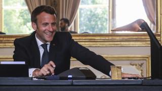 Σύνοδος Κορυφής - Μακρόν: Τα δάνεια δεν είναι η απάντηση στις οικονομικές συνέπειες του κορωνοϊού