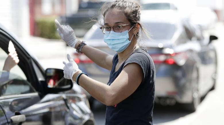 Δημοσθένης Μπούρος στο CNN Greece: «Οι νέοι δεν είναι απρόσβλητοι»