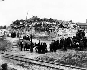 1928, Βουλγαρία.  Ο καταστροφικός σεισμός που χτύπησε τη χώρα, άφησε πίσω του ερείπια, πάνω από 100 νεκρούς και χιλιάδες άστεγους.