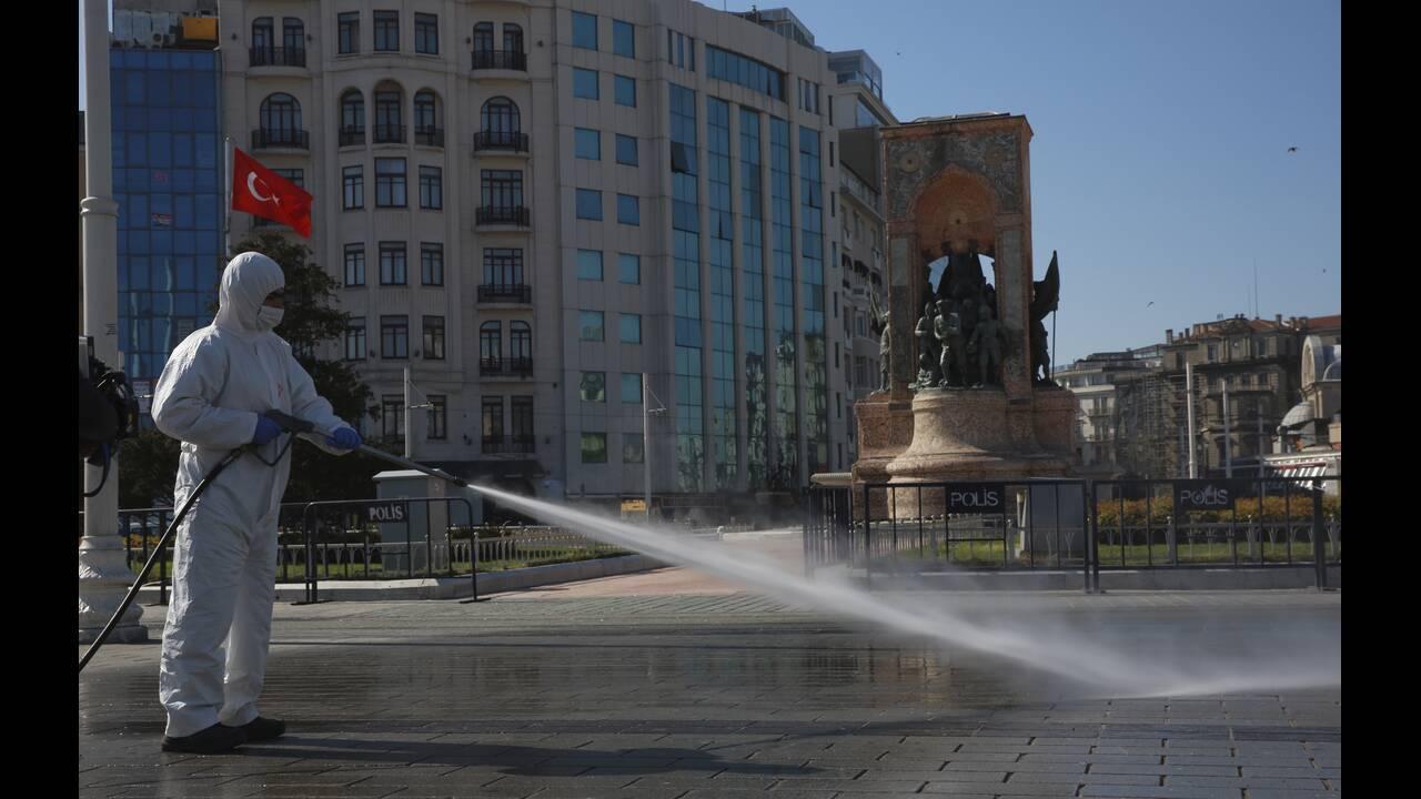 https://cdn.cnngreece.gr/media/news/2020/04/24/216652/photos/snapshot/koronoios-tourkia-5.jpg