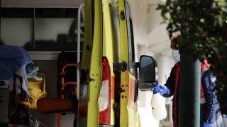 Συγκλονίζει 52χρονος που «νίκησε» τον κορωνοϊό - Η συγκινητική υποδοχή από τους γείτονές του
