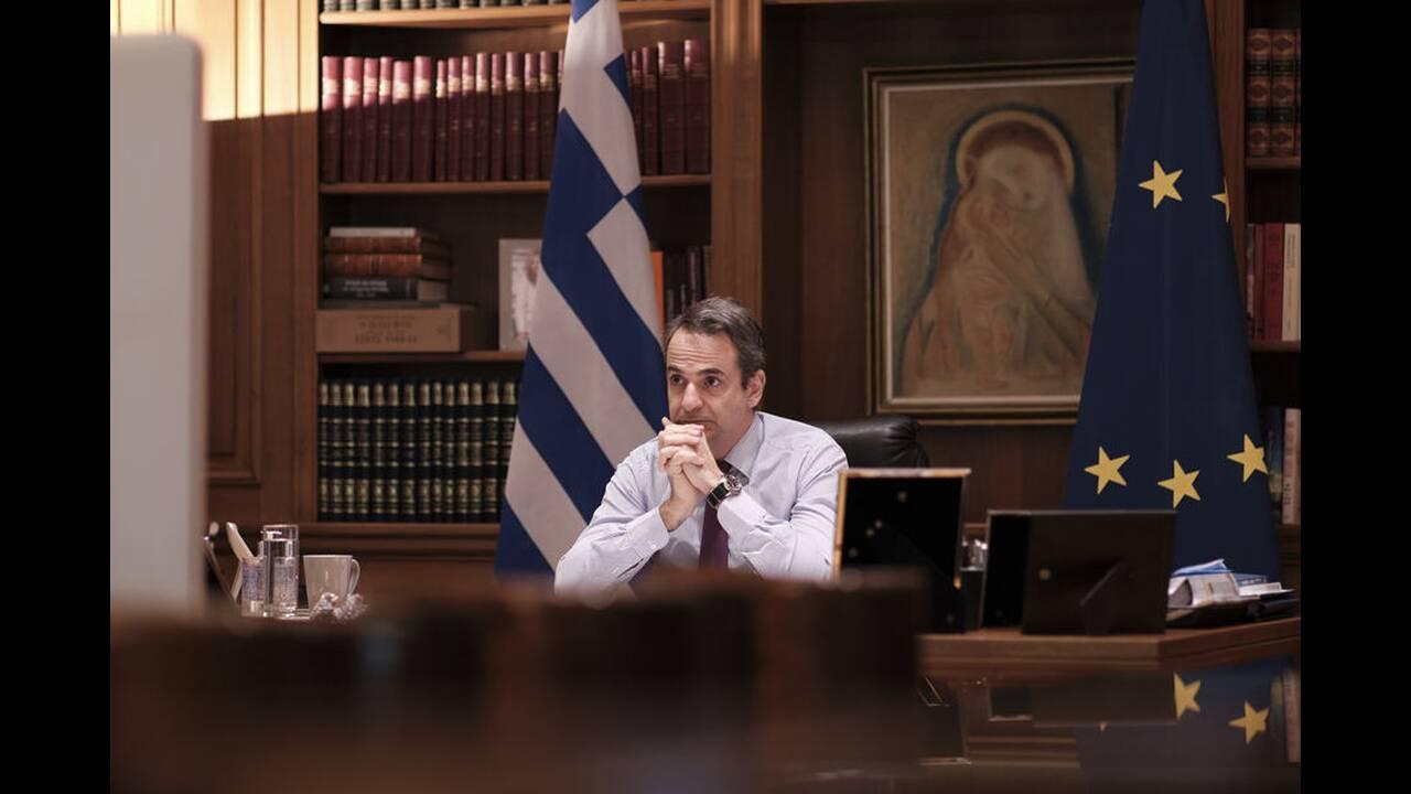 https://cdn.cnngreece.gr/media/news/2020/04/24/216700/photos/snapshot/mitsotakis-tilediaskepsi-4.jpg