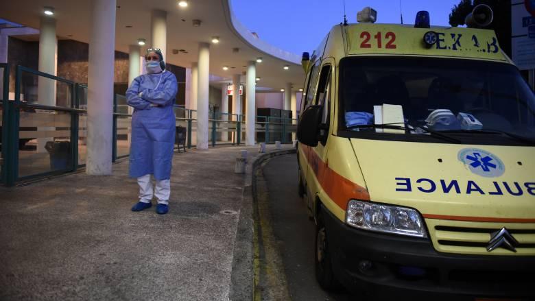 Κορωνοϊός: Θετικές στον ιό η σύζυγος και η πεθερά του 35χρονου στη Θεσσαλονίκη