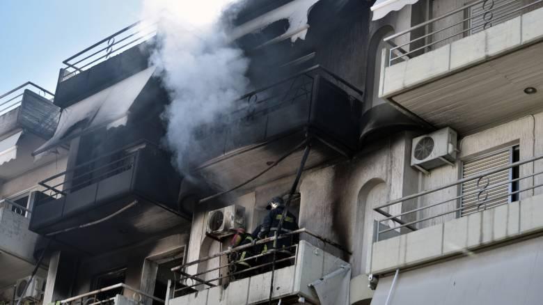 Υπό έλεγχο η φωτιά στο διαμέρισμα στο Παγκράτι