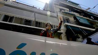 Νότα αισιοδοξίας: Συναυλία από την Άλκηστι Πρωτοψάλτη στους δρόμους της Αθήνας