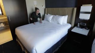 Οι ξενοδόχοι ζητούν προσωρινή αναστολή του Airbnb