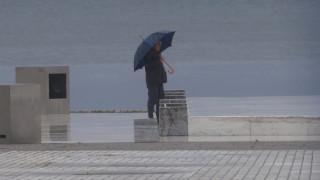 Καιρός: Πού θα σημειωθούν βροχές και καταιγίδες την Κυριακή