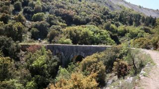 Κατέστρεψαν ιστορικό γεφύρι στην Καβάλα για να βρουν… θησαυρό