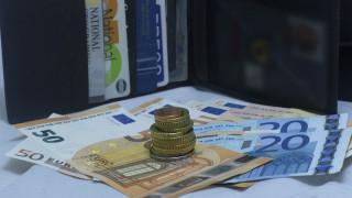 Κορωνοϊός: Διεύρυνση των δικαιούχων των 800 ευρώ - Έως τις 28 Απριλίου η υποβολή των αιτήσεων