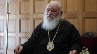 Άμεσο άνοιγμα των εκκλησιών ζητεί ο Ιερώνυμος με επιστολή του