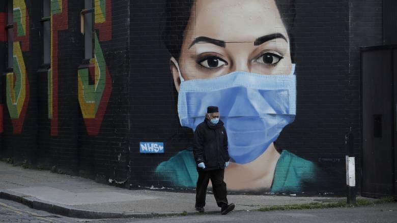Κορωνοϊός - Αισιόδοξα στοιχεία στη Βρετανία: Εντυπωσιακή η μείωση των θανάτων