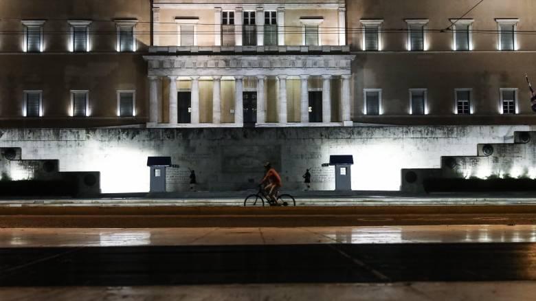 Κορωνοϊός: Τα «αγκάθια» για την επιστροφή στην κανονικότητα
