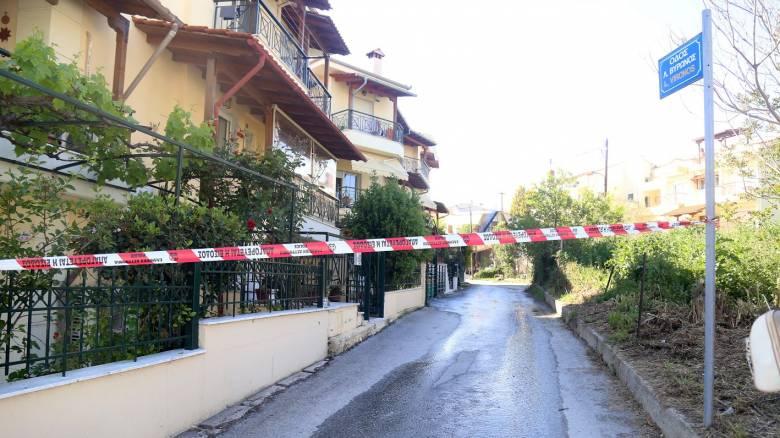 «Ξεψύχησε στα χέρια μου»: Συγκλονιστική μαρτυρία για την οικογενειακή τραγωδία στη Θεσσαλονίκη