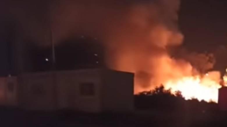Εκτεταμένες καταστροφές μετά την πυρκαγιά έξω από το ΚΥΤ Σάμου