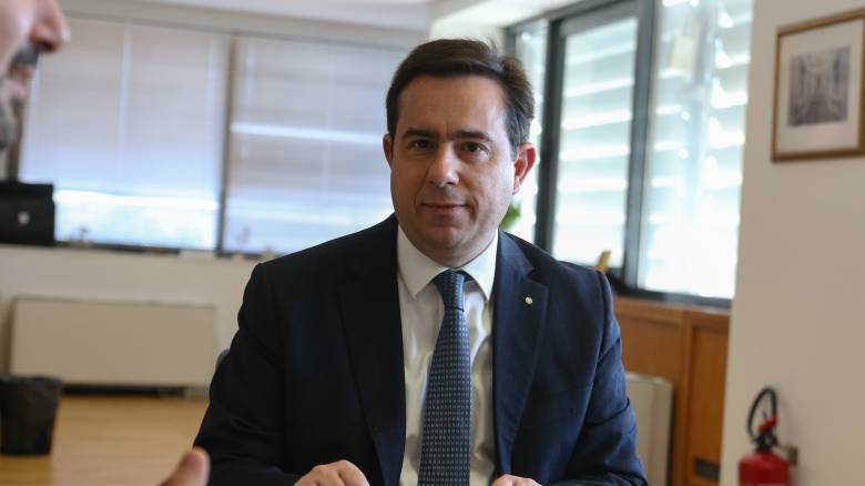 Στη Σάμο την Τρίτη ο Μηταράκης – Συνάντηση με δήμαρχο και διοίκηση δομής