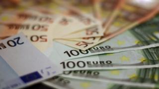 Κορωνοϊός: Πώς κυμάνθηκαν τα φορολογικά έσοδα τον Μάρτιο - Ποιοι τομείς επλήγησαν περισσότερο