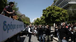 Η νταλίκα της Πρωτοψάλτη στο briefing: Συνεχίζεται η πολιτική αντιπαράθεση