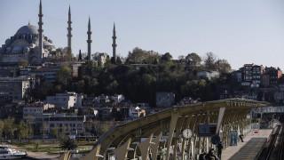 Κορωνοϊός - Τουρκία: 400 συλλήψεις σε ενάμιση μήνα για «προκλητικές» αναρτήσεις