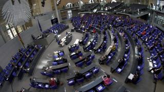 Κορωνοϊός - Γερμανία: Αντιπαράθεση για τις δηλώσεις Σόιμπλε και τη χαλάρωση των μέτρων