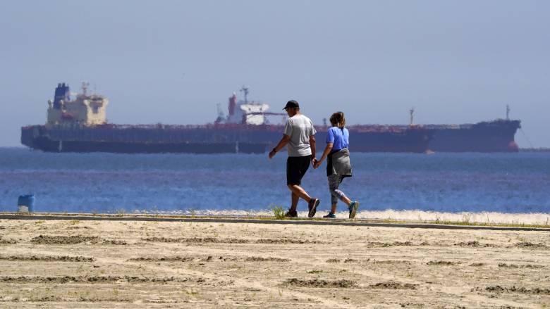 Πετρέλαιο: Οι φόβοι για νέα «Μαύρη Δευτέρα» και τα δεξαμενόπλοια - «παπαράτσι»