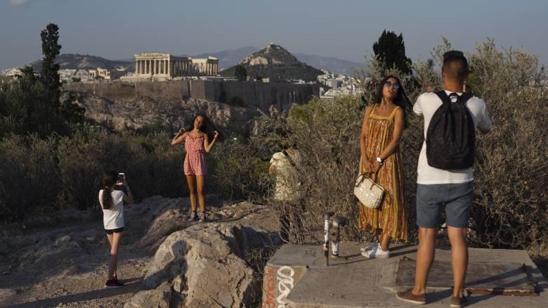 Έρχονται τα πρωτόκολλα επαναλειτουργίας για τον τουριστικό κλάδο