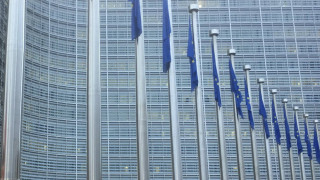 Κορωνοϊός: Θεσμικές διευκολύνσεις από την ΕΕ στις τράπεζες για να χορηγούν δάνεια