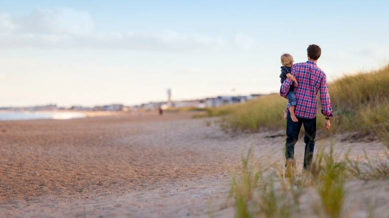 Άρνηση επικοινωνίας με τα παιδιά τους: Οι δυσκολίες που αντιμετωπίζουν διαζευγμένοι πατεράδες
