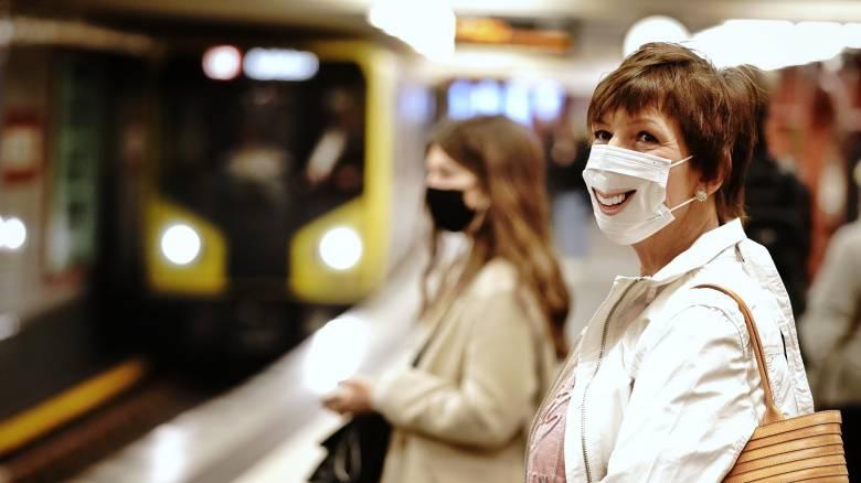 Η μάσκα στην καθημερινότητά μας: Οι χώροι που θα απαιτείται, το πρόστιμο και η εναλλακτική