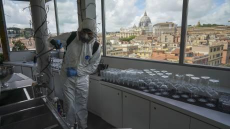 Κορωνοϊός - Ιταλία: Μείωση των νεκρών - Σταθερός ο ρυθμός μετάδοσης του ιού