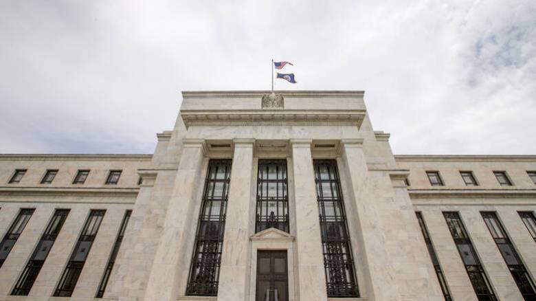 Πρωτοφανή συρρίκνωση της οικονομίας των ΗΠΑ στο δεύτερο τρίμηνο του 2020 αναμένει η Fed