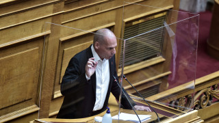 Έκκληση Βαρουφάκη στον πρωθυπουργό για τον απεργό πείνας και δίψας Βασίλη Δημάκη