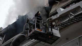 Πειραιάς: Βίντεο από τη φωτιά που ξέσπασε σε διαμέρισμα