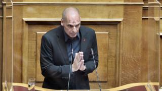 Βουλή: Επτά ερωτήματα του Γιάνη Βαρουφάκη στον πρωθυπουργό