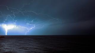 Καιρός: Σχεδόν 500 κεραυνοί έπεσαν στη Θράκη την Πέμπτη - Πού καταγράφηκαν υψηλές θερμοκρασίες