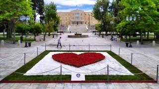 Το μήνυμα του Κ. Μπακογιάννη για την Πρωτομαγιά μέσα από μια καρδιά από λουλούδια στο Σύνταγμα